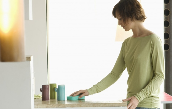 Как убрать запах в шкафу в домашних