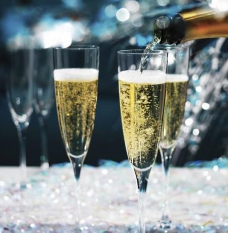 Самая новогодняя диета: худеем на шампанском! : группа фитнес и диеты.