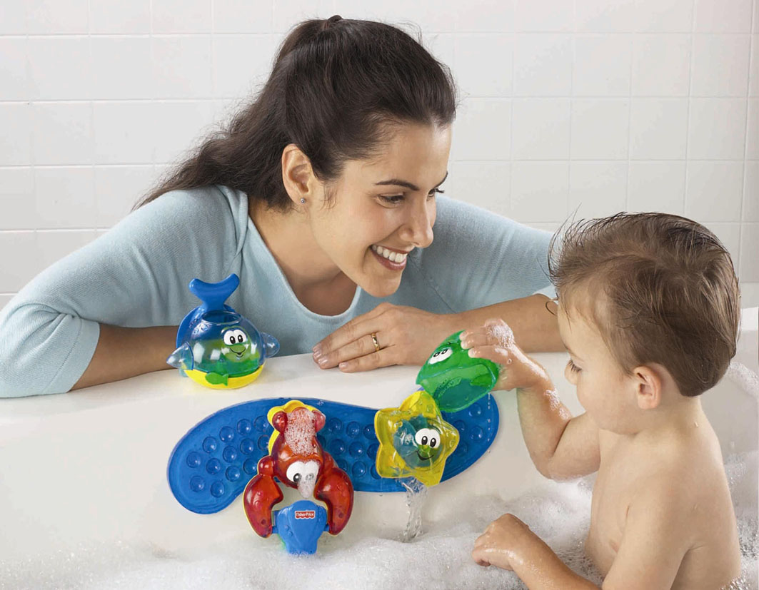 Сын увидел как мать моется в ванной 9 фотография