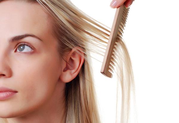 А что делать при выпадении волос самим, если это временное явление, расскажем