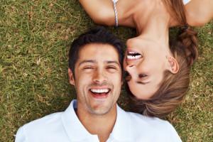 1354284972_yuri_arcurs-happy-couple_1