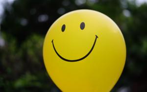 yellow-smile-balloon-happy-smail-sharik-vozdushnyi-shar-zhel